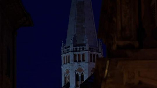 MODENA  by night